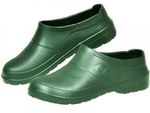 Lightweight clogs made of Dedra EVA BH9AB-45 foam at Wasserman.eu