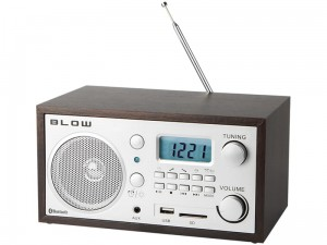 AM / FM radio with alarm clock and bluetooth USB microSD at Wasserman.eu