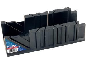 Miter box. Cutting at different angles at Wasserman.eu