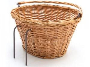 Wicker basket with a hook for a bicycle at Wasserman.eu