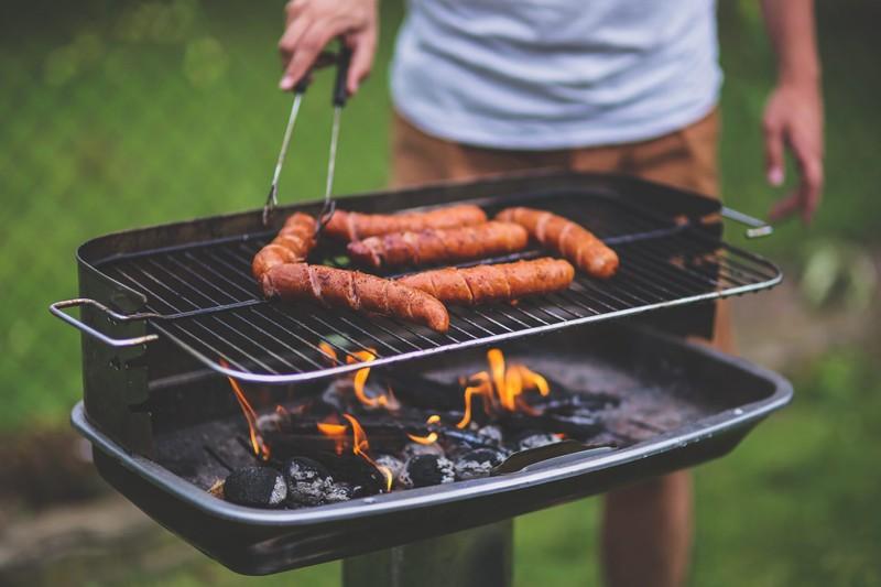 Sezon w pełni. Jak wybrać idealny grill?