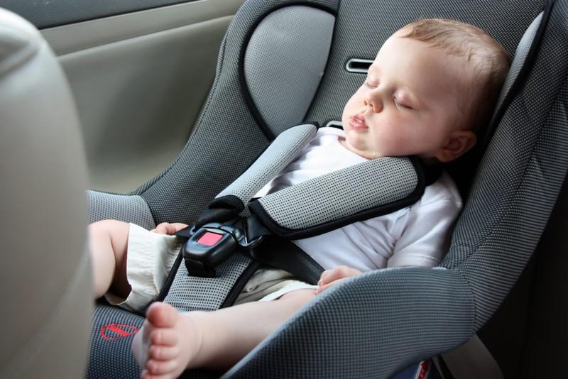 4 cechy, które musi mieć bezpieczny fotelik samochodowy dla dziecka