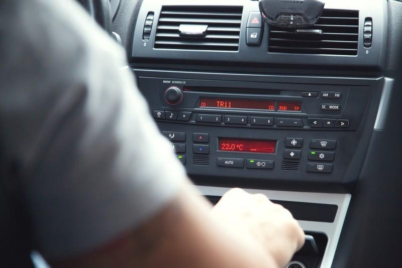 Radio w samochodzie – jak dokonać najlepszego wyboru?